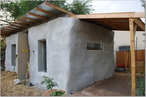 Bard built this plastered strawbale shed